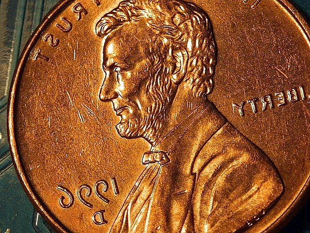 https://pixabay.com/en/macro-coin-lincoln-copper-cents-387110/